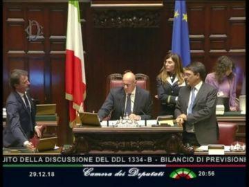 El Parlamento de Italia aprueba los presupuestos del Gobierno pactados con Bruselas