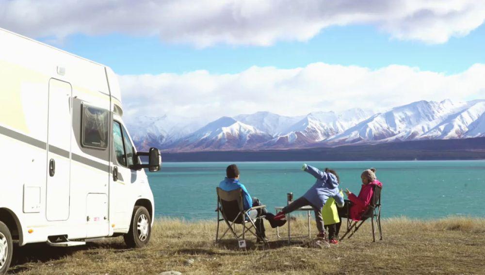 Ir a esquiar y alojarse en autocaravana es cada vez más fácil