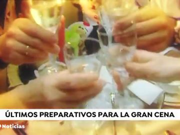 La alternativa a las cenas en casa: cada vez más familias pasan la Nochevieja en un establecimiento hotelero