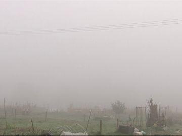 La niebla obliga a cerrar temporalmente el aeropuerto de Bilbao
