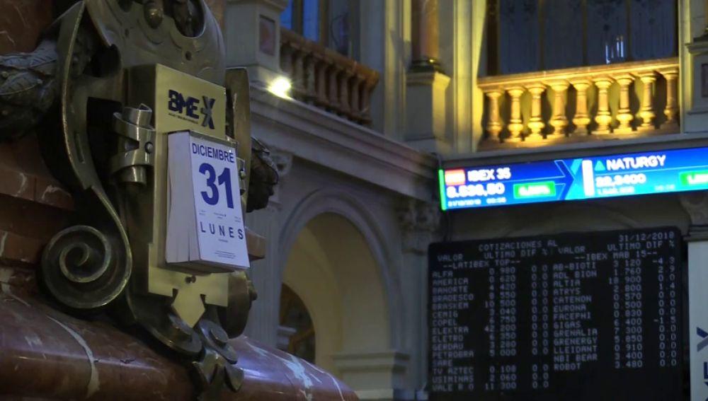 El Ibex35 cierra hoy su peor año desde 2010 en un ejercicio marcado por la inestabilidad porlítica