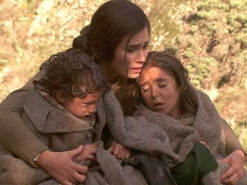 María encuentra a sus hijos
