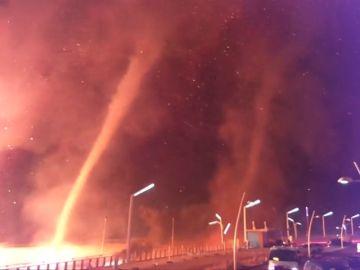 En un Holanda un tornado de fuego arrasa con varias viviendas