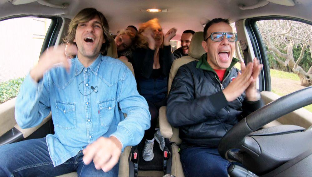 El coche de Àngel Llàcer se convierte en una fiesta al son de 'Despacito'