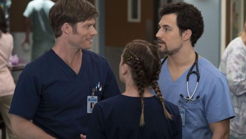 El Nuevo Triángulo Amoroso De Meredith Grey En La Temporada 15 De Anatomía De Grey Noticia