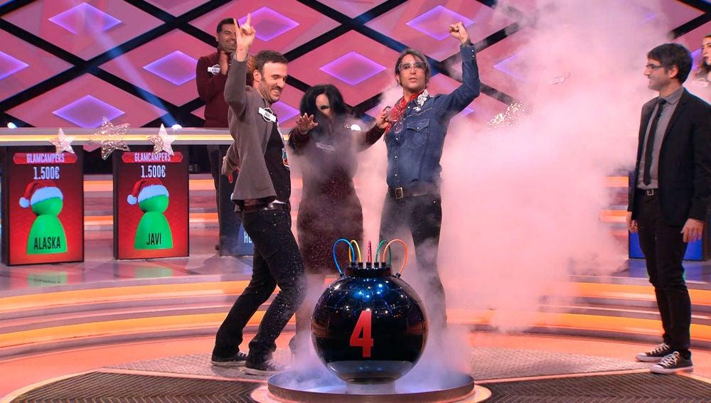 Mario Vaquerizo sorprende a Juanra Bonet con un gesto que jamás había hecho un concursante en '¡Boom!'