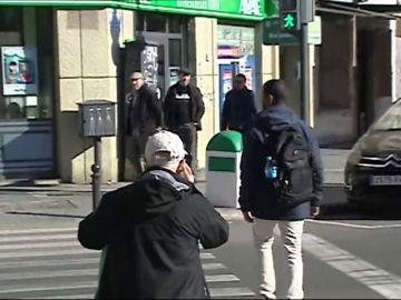 Muere un hombre atropellado en Valencia mientras cruzaba la calle mirando el móvil