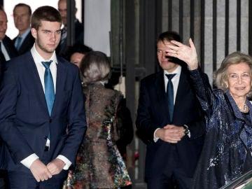 La reina Sofía y Juan Urdangarin a la salida del Teatro Real