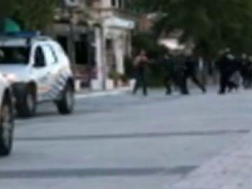 Detienen a un hombre en Mallorca por amenazar a personas y agentes policiales en plena calle