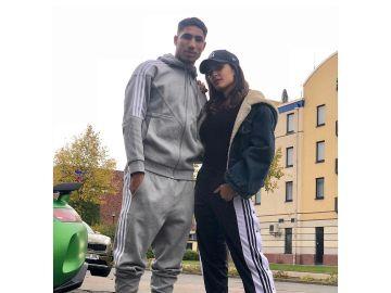 Hiba Abouk y su novio