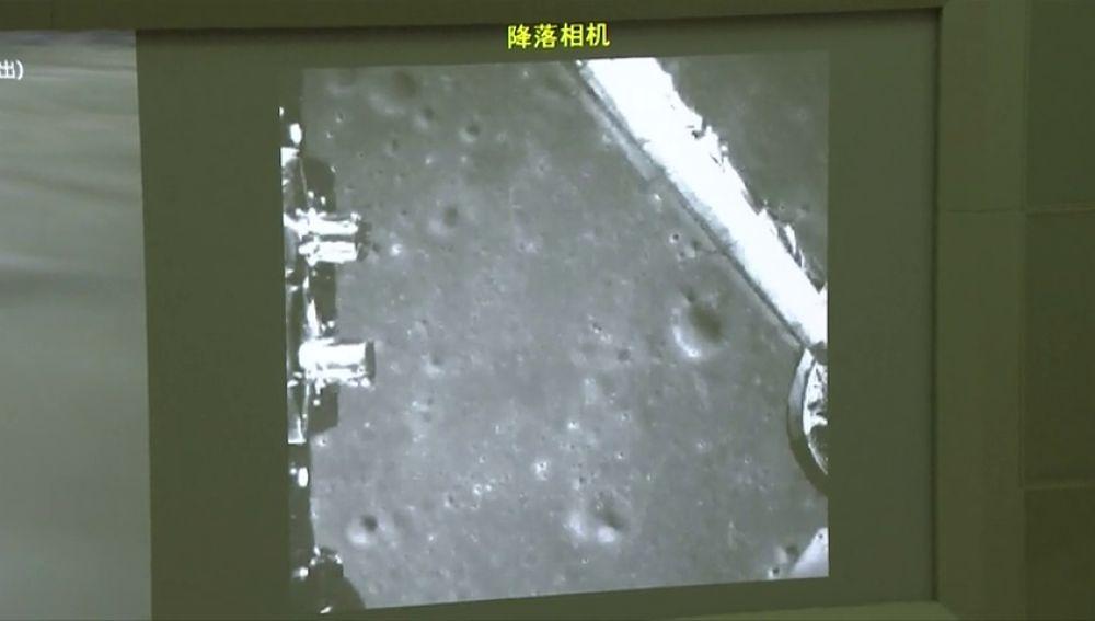 La sonda china Chang'e-4 aluniza con éxito en el lado oscuro de la Luna