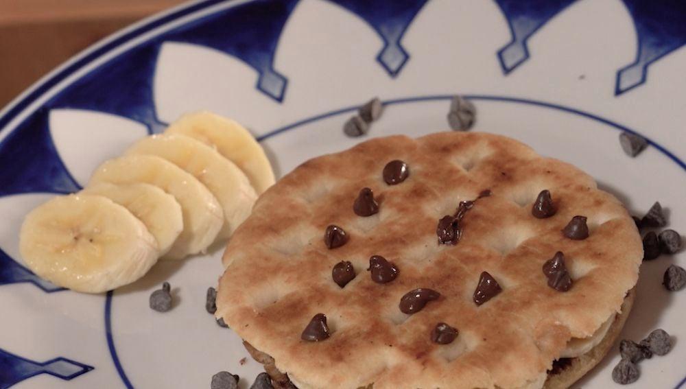 Al rico pan de pita con Nutella.