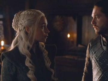 Daenerys Targaryen y Jon Nieve en 'Juego de Tronos'