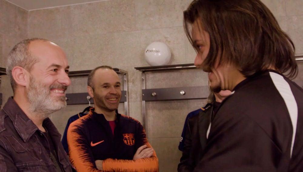 Los fans del F.C. Barcelona no reconocen a sus ídolos tras someterse a la hipnosis de Jeff