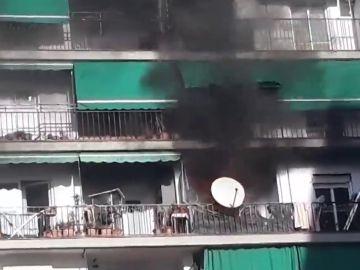 Muere una persona en el incendio de una vivienda en La Llagosta