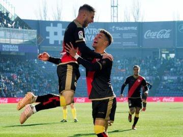 Medrán celebra su gol con el Rayo Vallecano