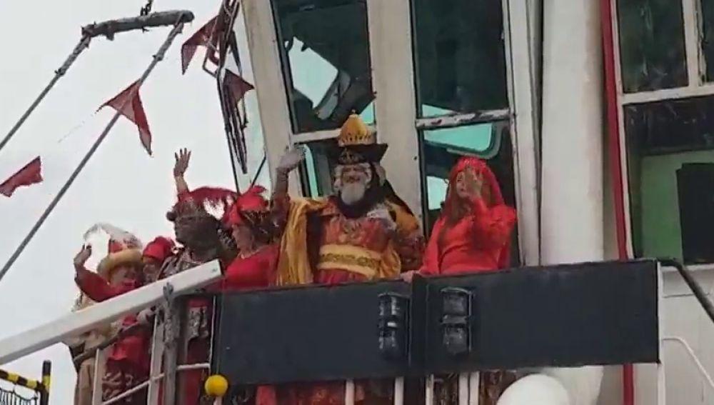 Los Reyes Magos llegan por mar a Las Palmas de Gran Canaria