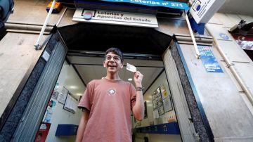 Lotería de Navidad 2019: Cosmin, el niño de 15 años premiado con 'El Gordo' de la Lotería de El Niño 2019