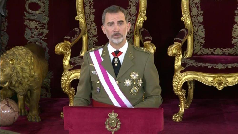 """Noticias fin de semana (06-01-19) El Rey ensalza la bandera española como símbolo del """"conjunto"""" de la nación"""