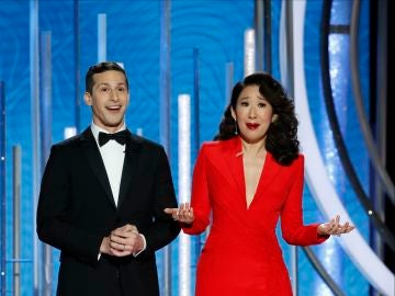 Sandra Oh y Andy Samberg, presentadores Globos de Oro 2019