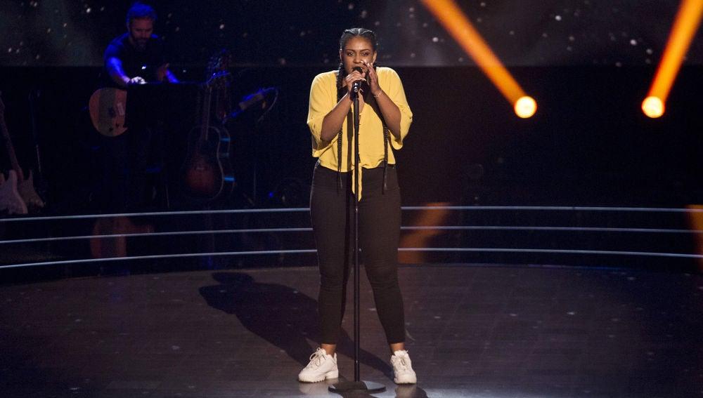 VÍDEO: Linda Rodrigo canta 'Issues' en las 'Audiciones a ciegas' de 'La Voz'
