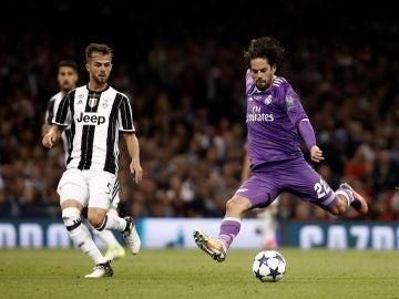 Isco, durante un partido contra la Juventus