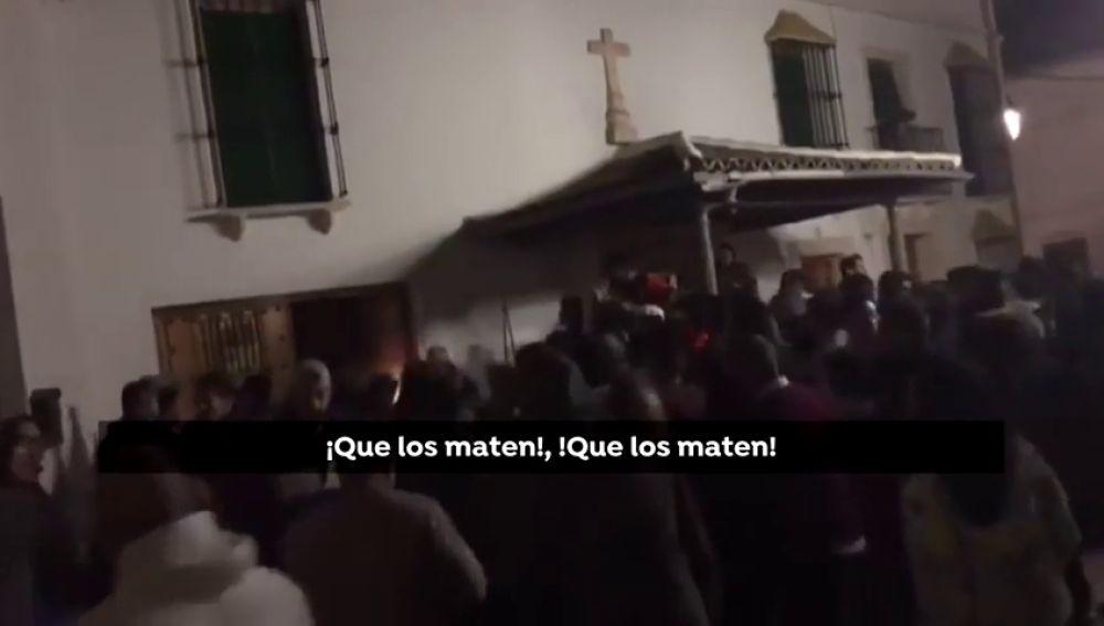 Intentan linchar a dos ladrones en Sevilla