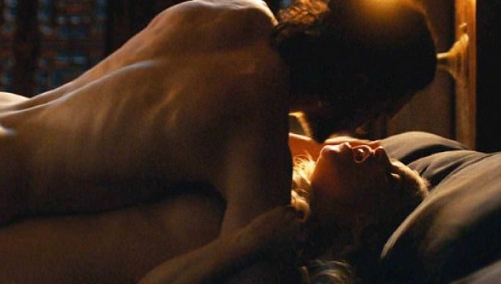 Jon Snow y Daenerys Targaryen en LA escena de 'Juego de Tronos'