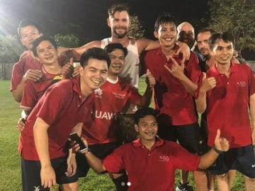 Chris Hemsworth, en un partido de fútbol