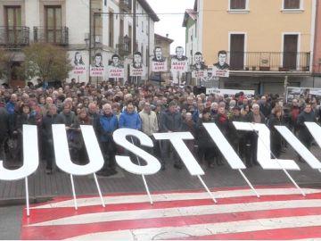 Imagen de la manifestación en Alsasua por la libertad de los jóvenes condenados por agredir a guardias civiles