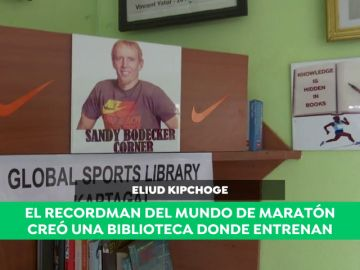 Kipchoge y la idea detrás de la biblioteca en su lugar de entrenamiento