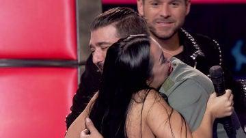 """VÍDEO: Antonio Orozco se hace con la voz de Elena Vargas: """"¡Me encantan tus brillos!"""""""