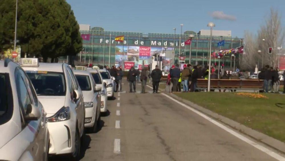 Decenas de taxis aparcados en IFEMA, Madrid