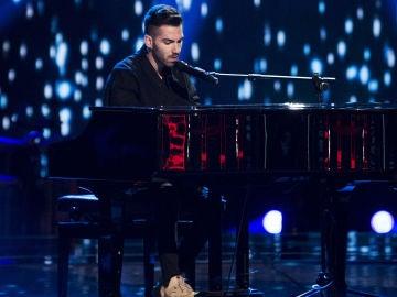 VÍDEO: Aitor Martín canta 'Dark times' en las 'Audiciones a ciegas' de 'La Voz'
