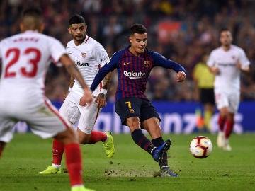 Coutinho, en acción contra el Sevilla