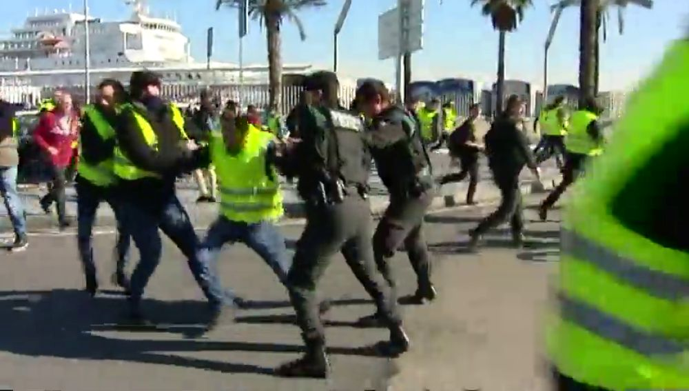 Tensión en el puerto de Barcelona