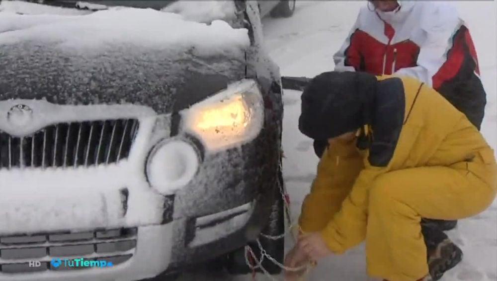 Tiempo de nieve, tiempo de cadenas para las ruedas del coche y otras soluciones