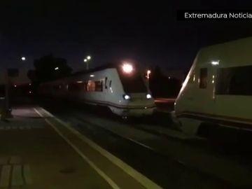 Nueva avería en un tren extremeño: el convoy que cubría el trayecto Zafra-Madrid se queda tirado a la altura de Talavera