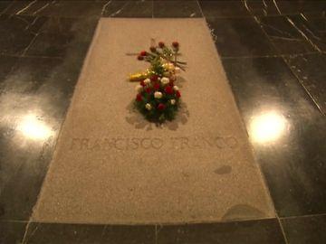 Los Franco insisten: si hay exhumación lo llevarán a la Almudena