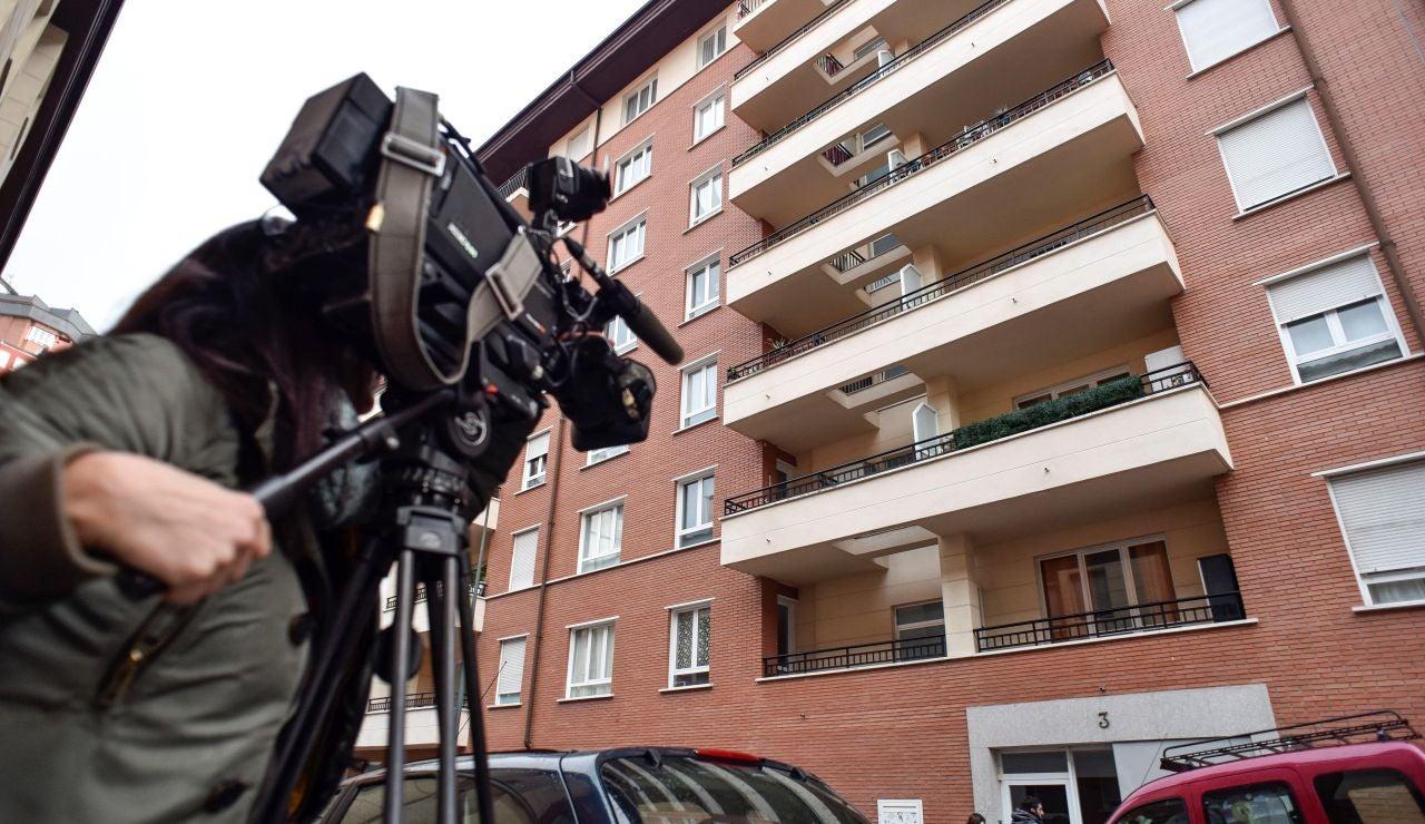 Edificio donde apareció una niña muerta junto a su madre en Bilbao