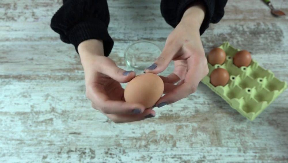 Cómo saber si un huevo está caducado antes de abrirlo