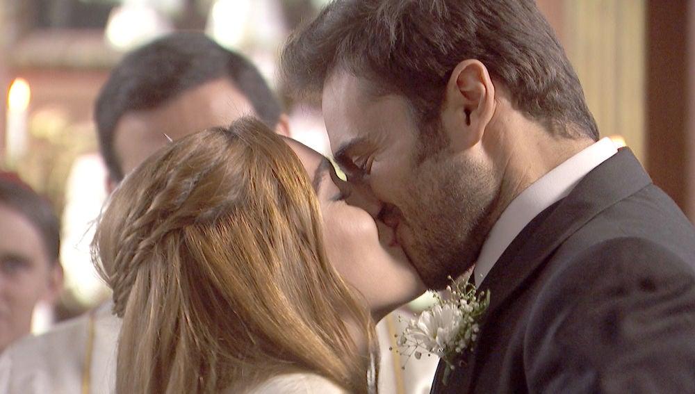 ¡Julieta y Saúl se convierten en marido y mujer!