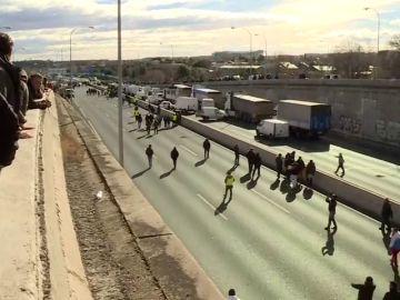 Los taxistas en Madrid cortan la M40 de nuevo