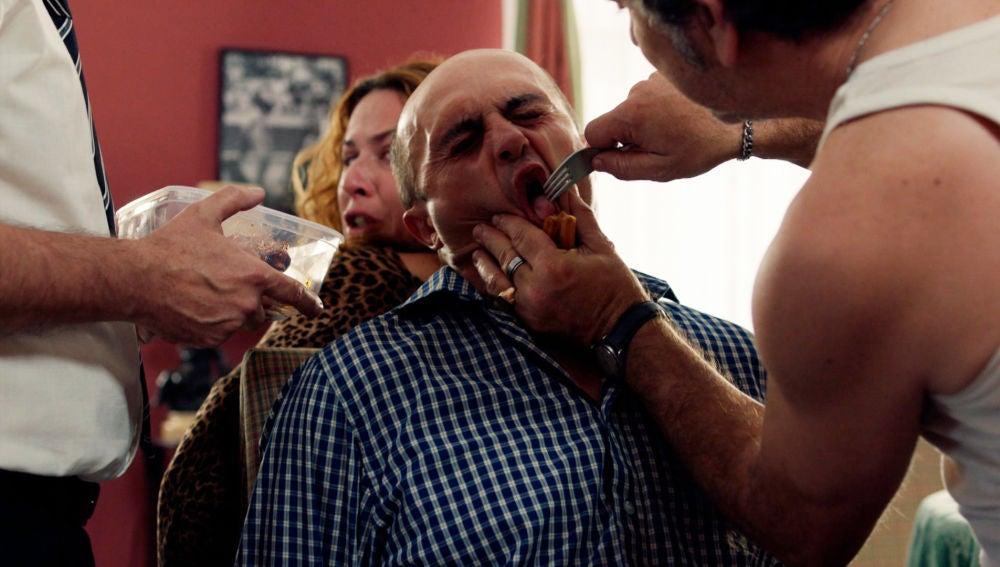 Almudena y Alfonso, secuestrados y amenazados por Teo y Pascual