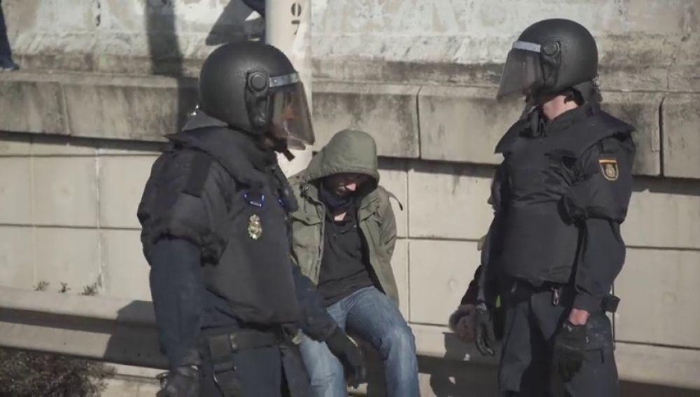 Detenido un taxista por agredir a un policía durante los paros de la M40 en Madrid