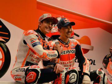 Marc Márquez y Jorge Lorenzo, en la presentación del equipo Honda