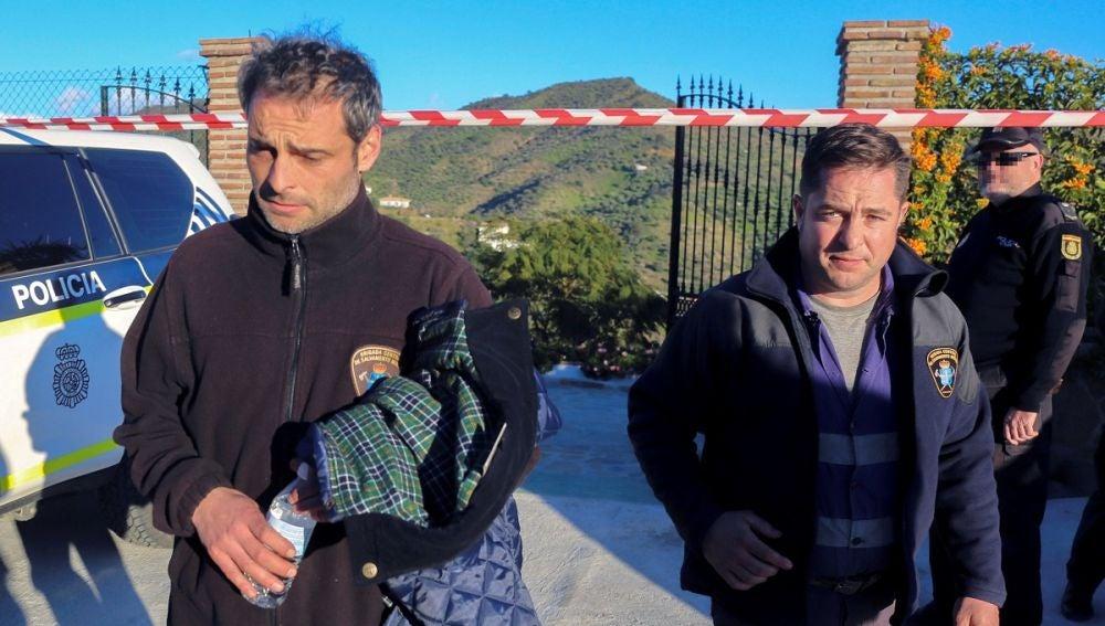 Dos de los mineros que participan en las labores de rescate de Julen