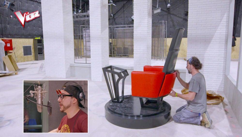 Hermoti da unos briconsejos vascos para el montaje de los sillones de 'La Voz'