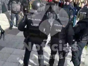 Taxistas belgas y catalanes visitan a Puigdemont
