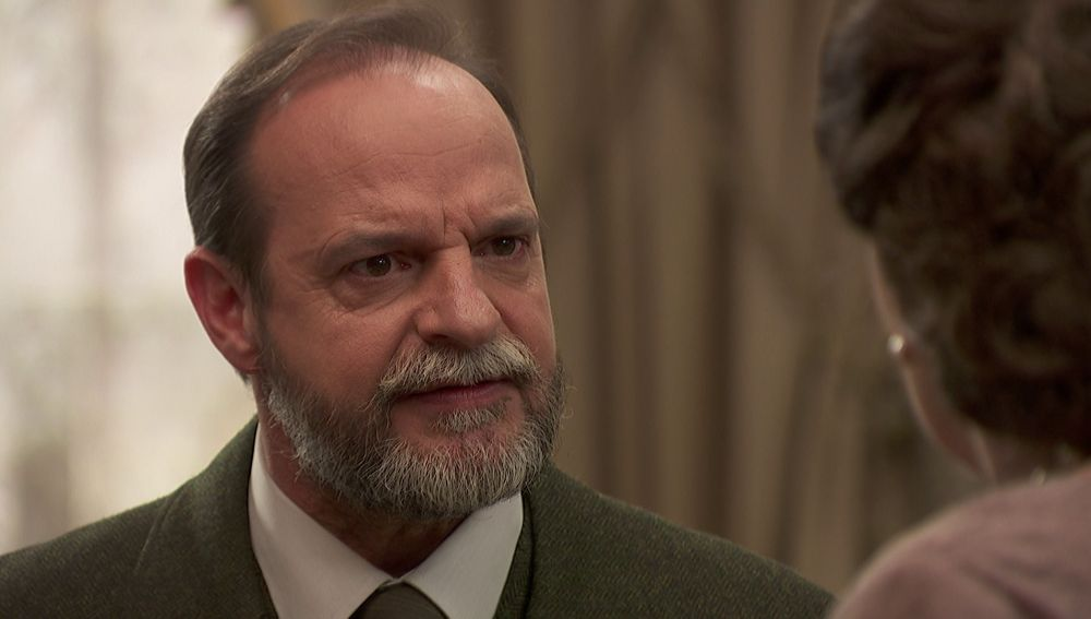 Raimundo prohíbe tajantemente a Francisca que interfiera en la relación entre María y Fernando